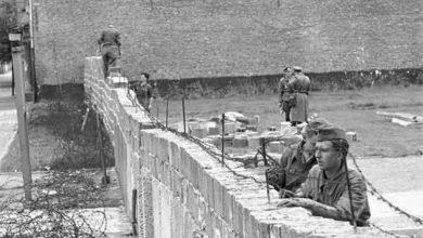 Foto de A construção do muro de Berlim – 1961