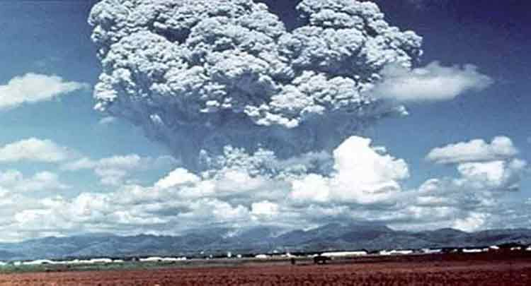 Identificar os vários métodos usados para monitorar a atividade vulcânica e seus efeitos potenciais